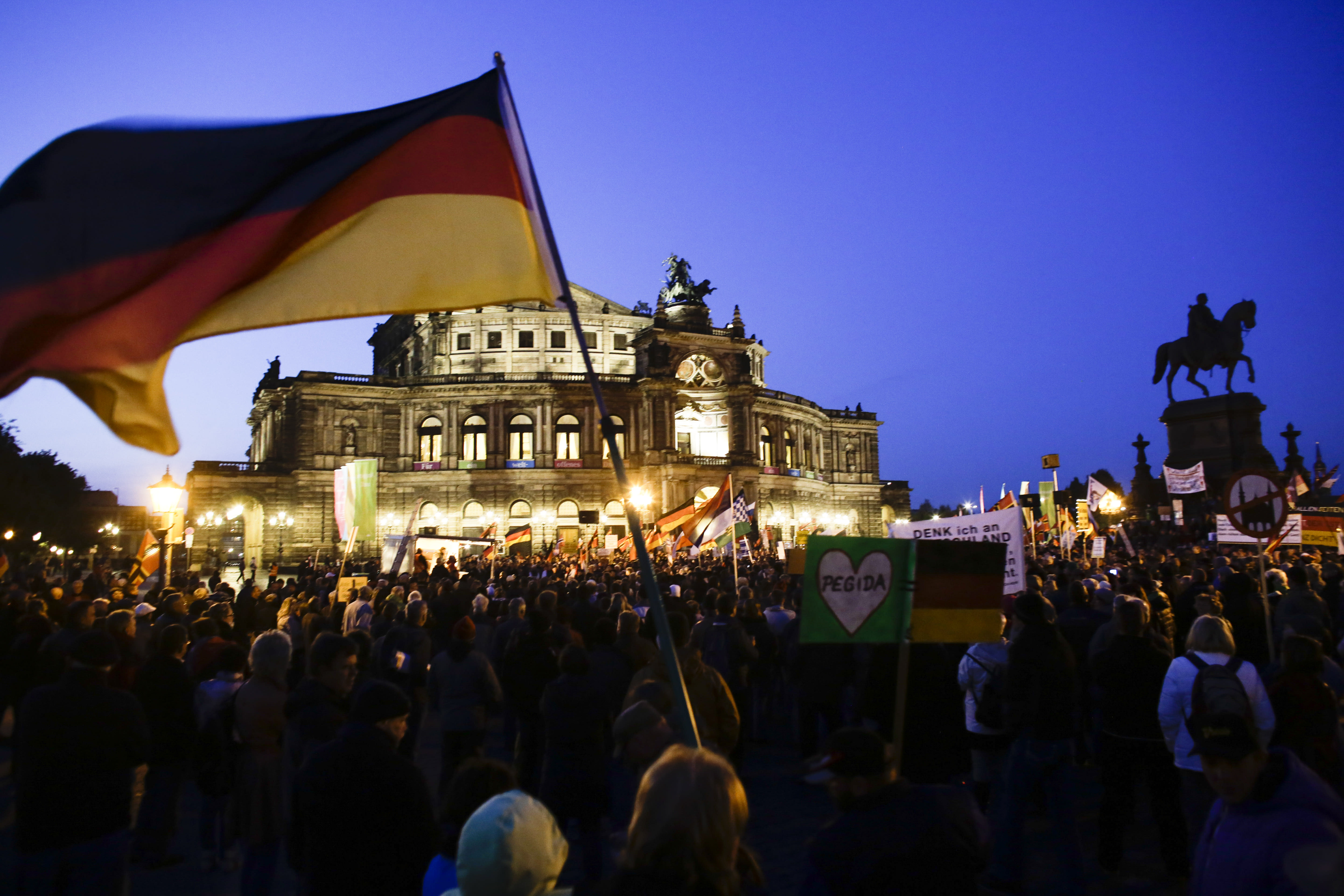 Thousands rally at German protest against refugees, Islam