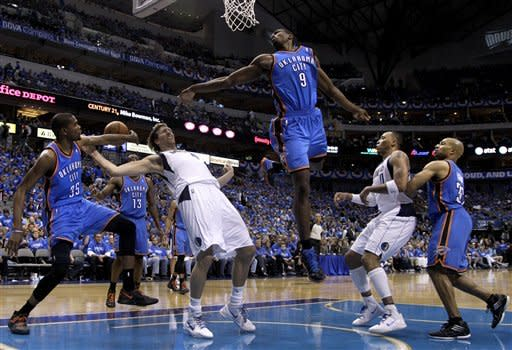 Thunder lead 3-0 after 95-79 win in Dallas