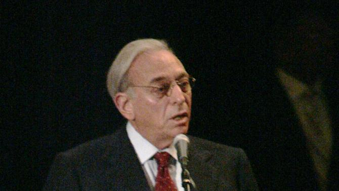 "FILE - In this Aug. 16, 2006 file photo,Nelson Peltz of Trian Group, Heinz's second-largest investor, addresses shareholders during the annual meeting in Pittsburgh. Activist investor Peltz is ramping up the pressure on PepsiCo, reaffirming his call for the company to separate its struggling North American drinks division from its snack unit. Peltz's Trian Fund Management sent a letter to PepsiCo Inc. on Wednesday, Feb. 19, 2014saying it views ""structural change as the best path forward to generate sustainable increases in shareholder value."" (AP Photo/Keith Srakocic, file)"