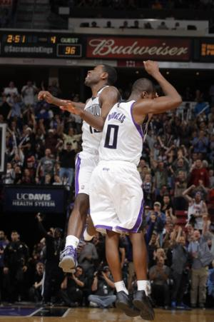 Douglas helps Kings rally to stun Clippers 116-101