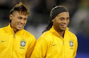 Ronaldinho tips Neymar to become world's best player