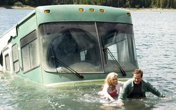 Cheryl Hines and Robin Williams in Columbia Pictures' RV