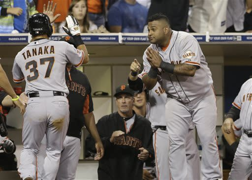 Sandoval, Bumgarner lead Giants to 4-2 win