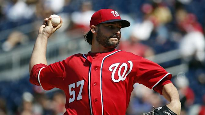 Roark stymies Padres with three-hitter as Nats win