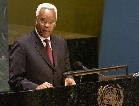 Edward Ngoyani Lowassa, Prime Minister of Tanzania, addresses the UN General Assembly during the High Level Meeting on HIV/AIDS, at the United Nations, in New York
