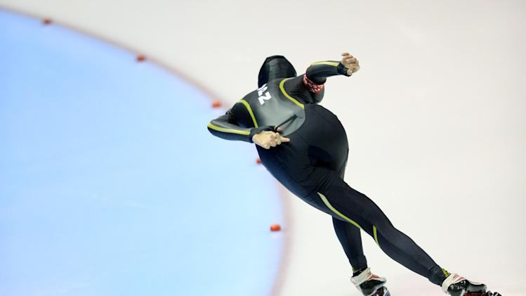 Ayaka Kikuchi of Japan competes during the women's 3000-meter speedskating race at Thialf skating arena, Saturday, March 15, 2014, in Heerenveen, northern Netherlands. (AP Photo/Peter Dejong)