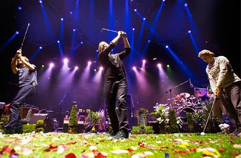 phish-golf-msg-130102.jpg