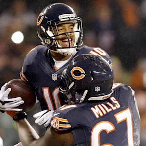 Chicago Bears quarterback Jay Cutler throws 1-yard TD pass to wide receiver Marquess Wilson, completes two-point conversion