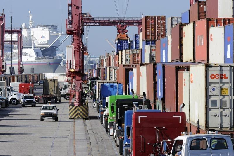 Shrinking U.S. trade gap shows economy's underlying strength