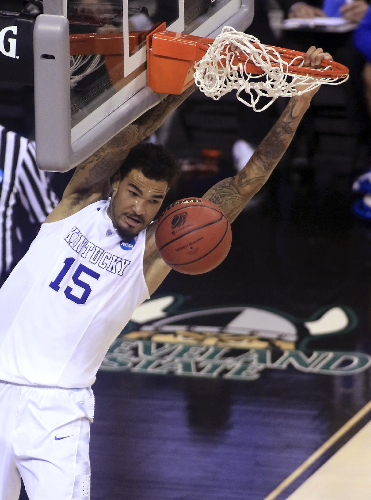 Confident Cauley-Stein thriving in mentor role for Wildcats