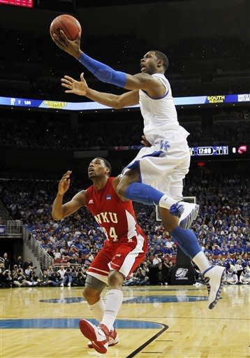 Jones, Lamb lead Kentucky over WKU, 81-66