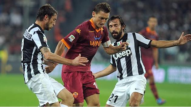 Italian Serie A - Totti strike enough for Roma win against Juventus