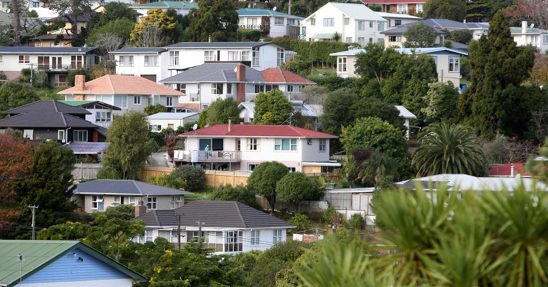 New Zealand govt, central bank clash on housing