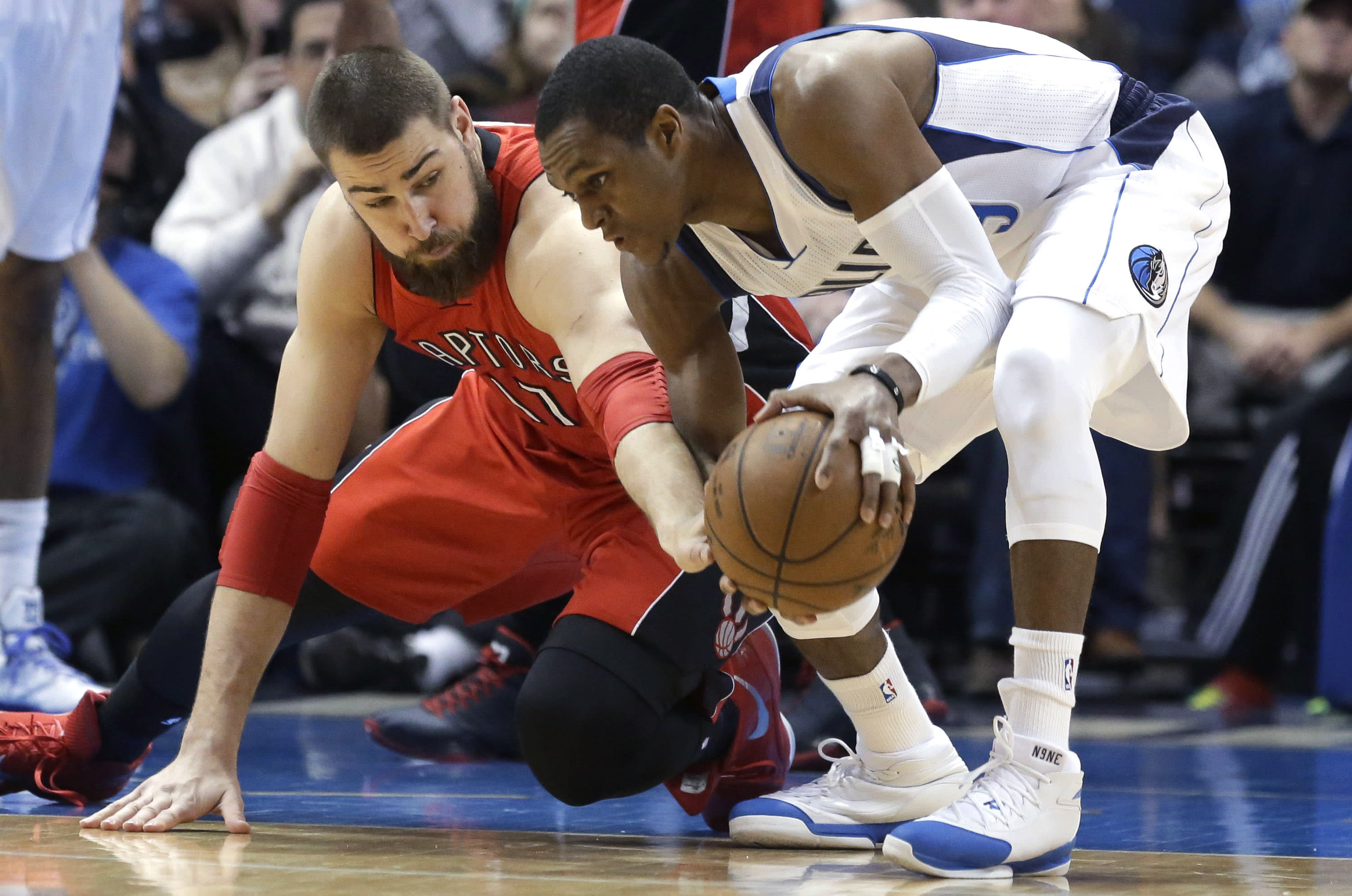 Mavs suspend Rondo for game after exchange with Carlisle