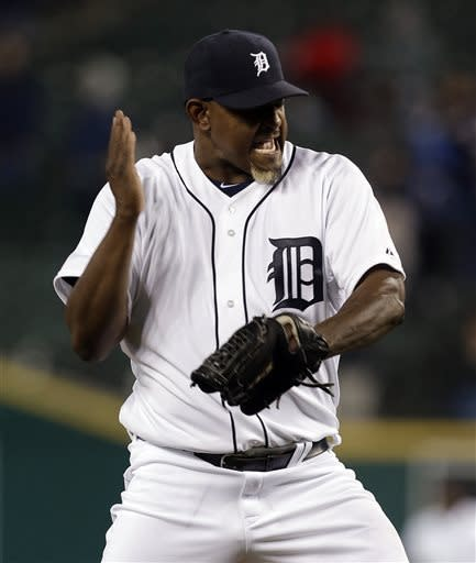 Valverde returns to Tigers with 1-2-3 save