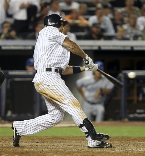 Ibanez hits slam in 8th, Yanks beat Blue Jays 6-3