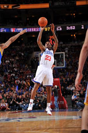 76ers top Warriors 105-83 on Chamberlain night
