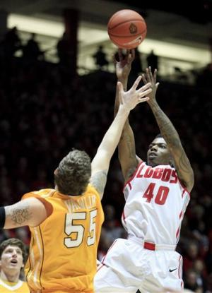 Kirk helps New Mexico stay unbeaten