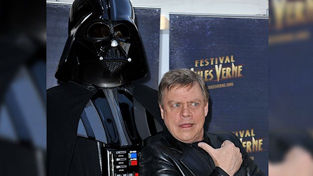 Mark Hamill Muses on New 'Star Wars': 'Go Retro'