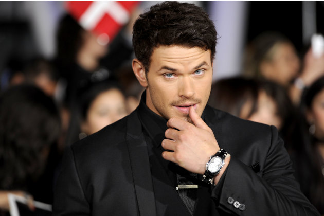 "Kellan Lutz arrives at the world premiere of ""The Twilight Saga: Breaking Dawn - Part 1"" on Monday, Nov. 14, 2011, in Los Angeles. (AP Photo/Chris Pizzello)"