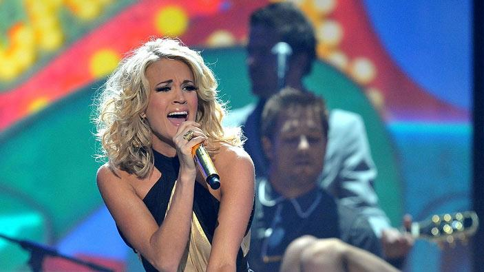 Carrie Underwood performs at the 2009 American Music Awards at Nokia Theatre L.A. Live on November 22, 2009 in Los Angeles, California.