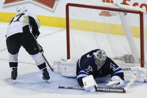 Crosby lifts Penguins past Jets in shootout