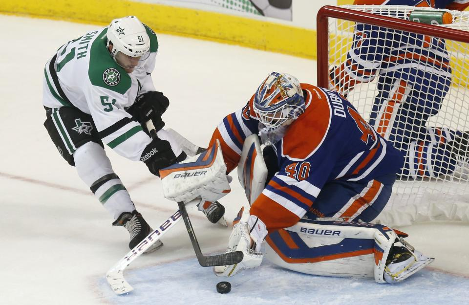 Ellis makes 20 stops as Stars blank Oilers 4-0