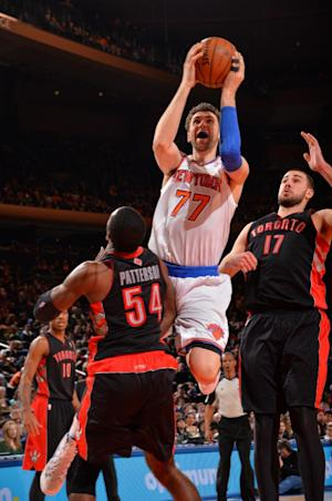 Raptors beat Knicks in opener of home-and-home