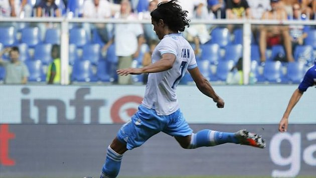 Edinson Cavani scores the winner against Sampdoria