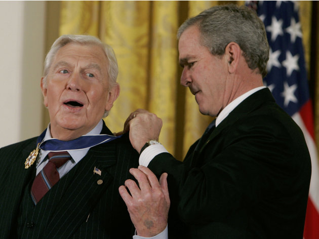 Bush Honors Presidential Medal …