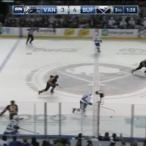 Canucks at Sabres / Game Highlights