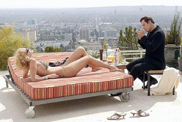 Uma Thurman and John Travolta in MGM's Be Cool