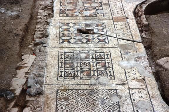 mosaik termahal