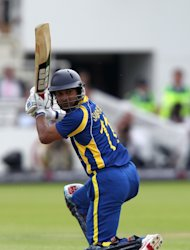 Kumar Sangakkara and Angelo Mathews registered an unbroken 89-run partnership