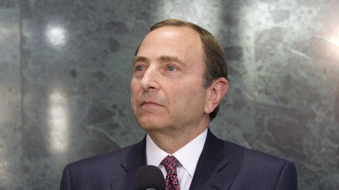 NHL players on hand for union's response to league