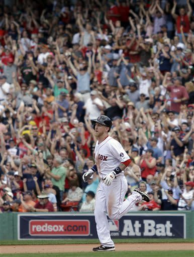 Saltalamacchia hits 2 homers for Boston