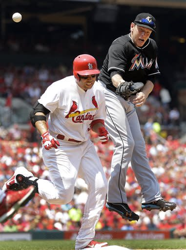 Lynn wins 11th, Cardinals beat Marlins 3-2