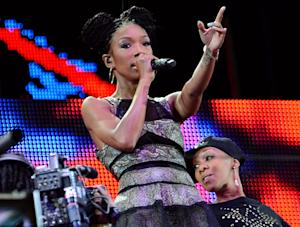 Brandy Performs For 40 People in 90,000 Seat South African Stadium