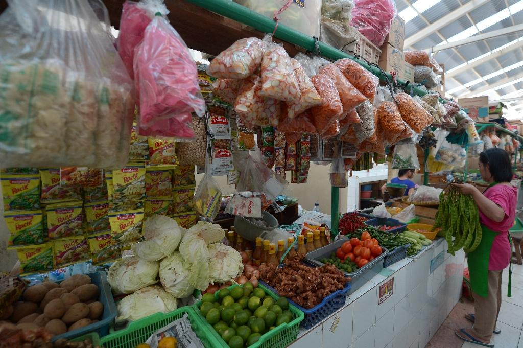 Indonesian inflation accelerates on higher food prices