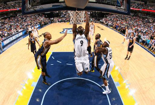 Grizzlies end Jazz playoff hopes with 86-70 win