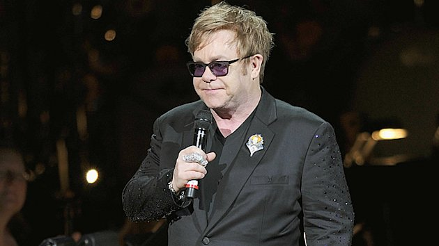 Elton John Improving at Home From Infection