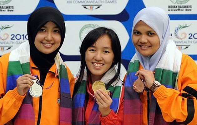 Jasmine Ser (middle) won gold for Singapore at the Commonwealth Games in India in 2010 (AFP)
