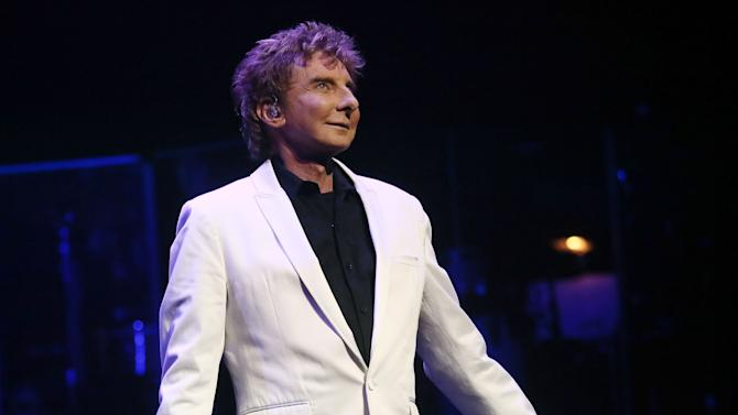 Manilow On Broadway Opening Night - Curtain Call