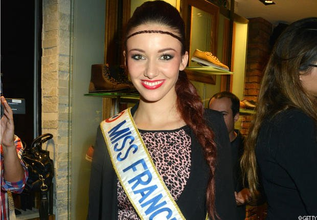 : Miss France 2012 se faufile parmi les 33 candidates au titre de Miss France 2013