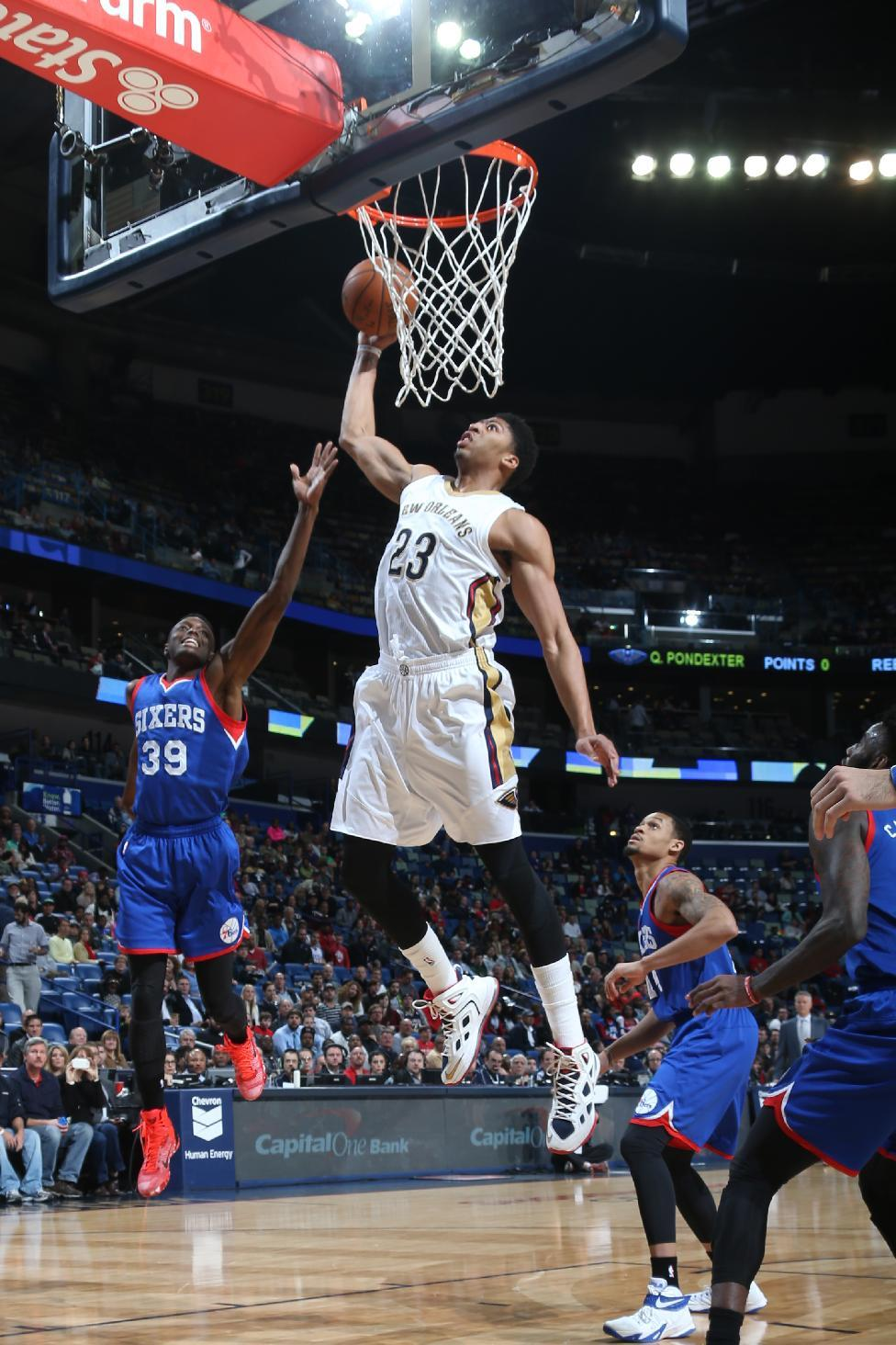 Davis' dunks aplenty lead Pelicans past 76ers, 99-74