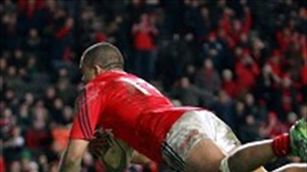 Simon Zebo scored a hat-trick of tries in Munster's victory
