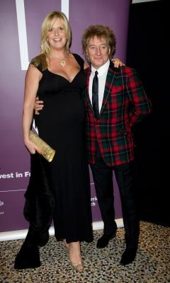 Rod Stewart and Penny Lancaster attend The Prince's Trust Invest In Futures Gala Dinner at the Natural History Museum in London, England, on February 3, 2011    -- Getty Images