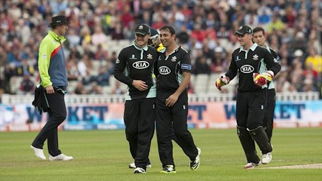 Azhar Mahmood, centre, finished with figures of two for nine