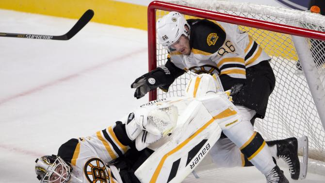 Bowman's late goal gives Canadiens win over Bruins