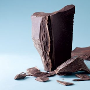 4 Health Reasons to Eat Chocolate (and Cons to Consider)